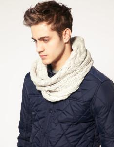 Как завязать шарф-хомут