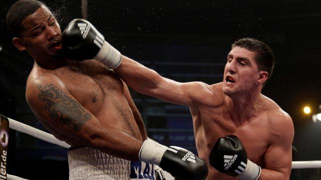 Спорт бокс удар хук