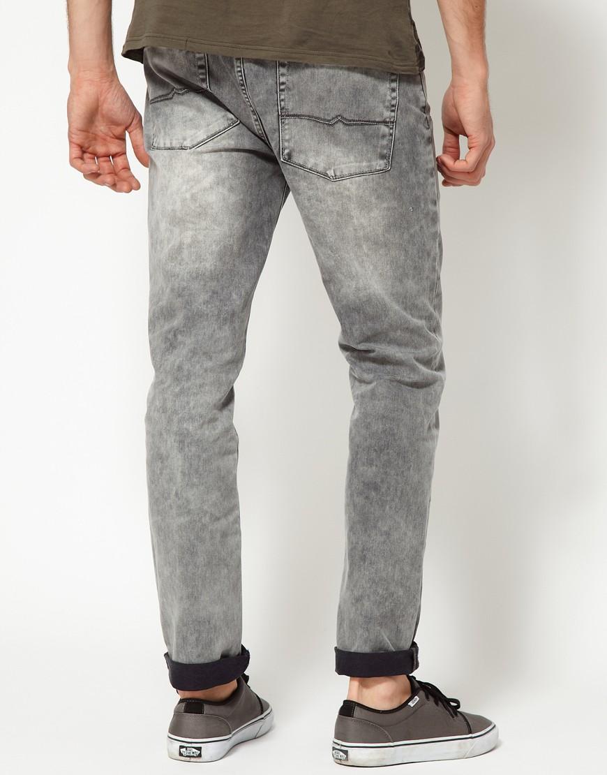 Как красиво подвернуть мужские джинсы. Модные модели сезона 2018