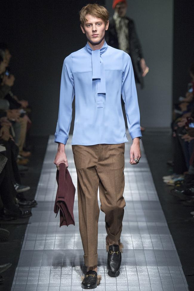 Блуза мужская синяя