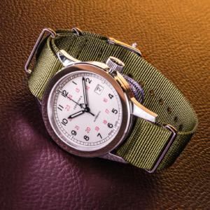 мужские часы с необычным дизайном