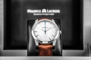 классические часы Maurice