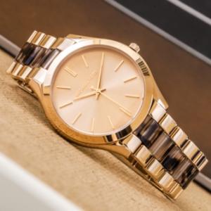 женские часы с модным дизайном