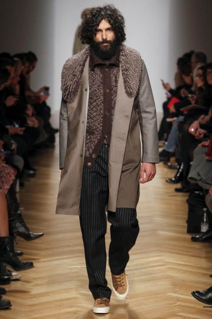 пальто с меховым вовротником