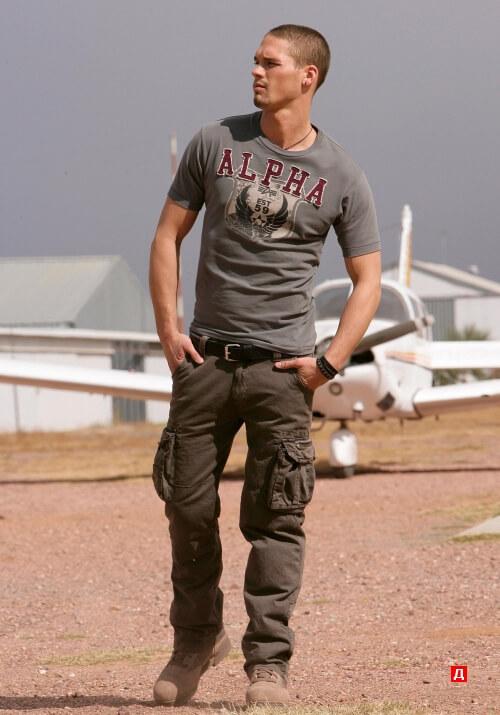Мужские штаны карго или брюки с карманами по бокам с чем носить