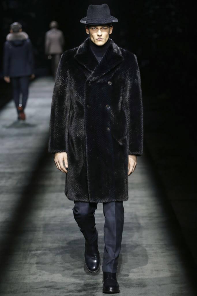 меховое пальто Brioni