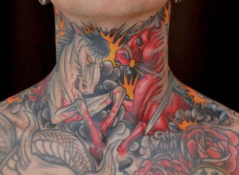 татуировка на шее фото