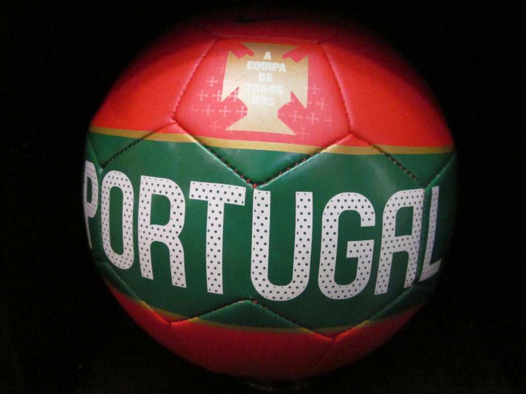 футбольный мяч Португалии
