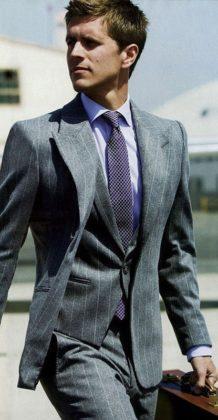 модель в мужском костюме47 10,03