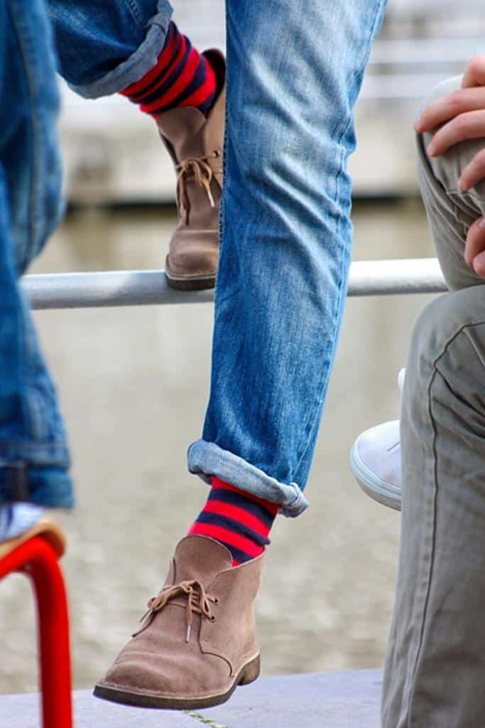 красные носки под джинсы