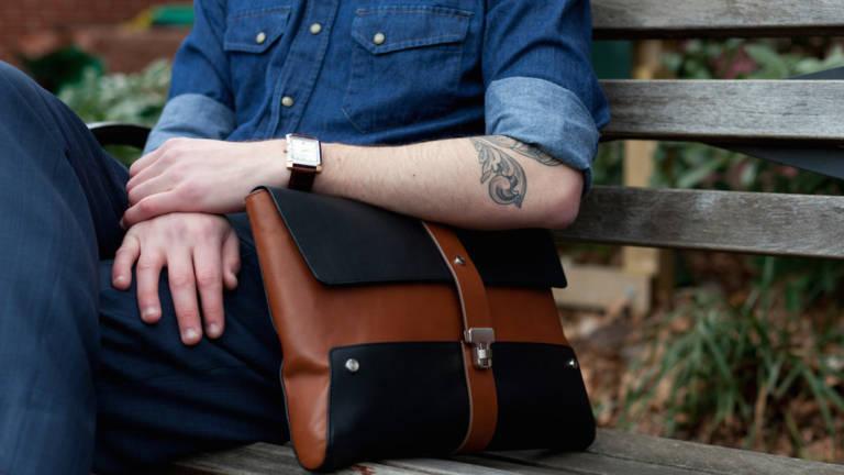 Как выбрать мужскую сумку на подарок?