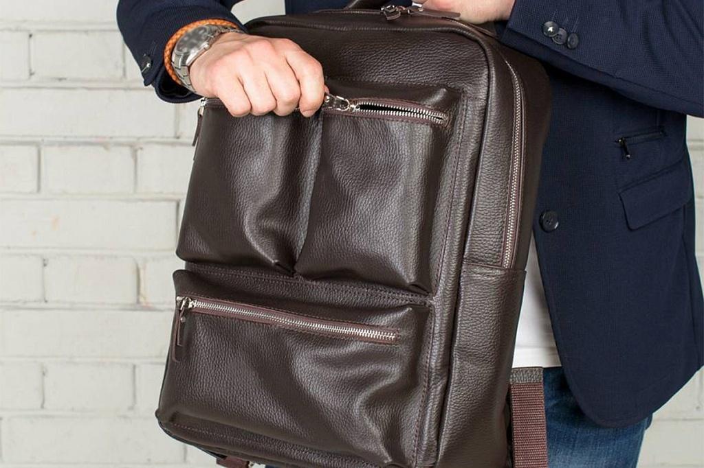 вместительный и стильный мужской рюкзак