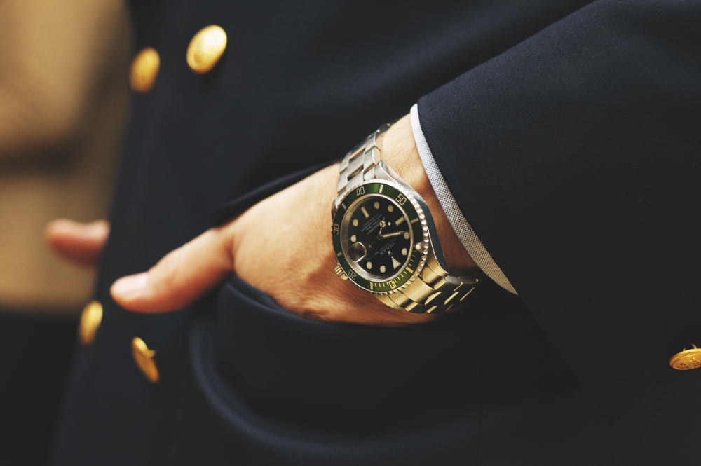 Сколько часов должно быть у мужчины, который следит за модными тенденциями