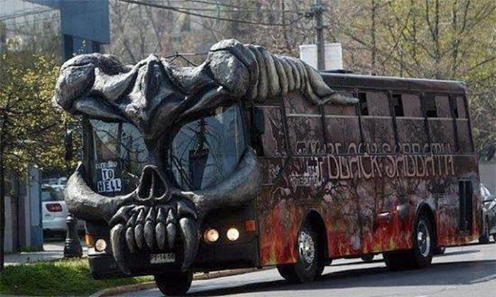 Гастрольный автобус
