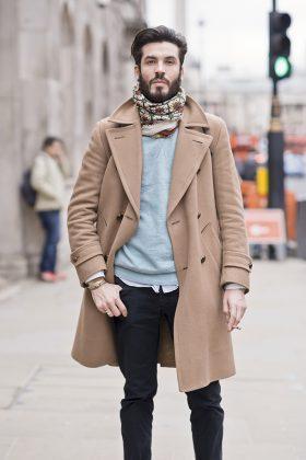 песочное пальто