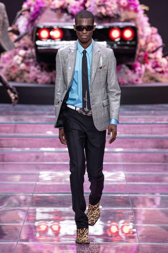 Неделя мужской моды в Милане 2019,Versace