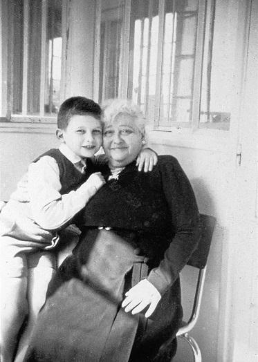 Жан-Поль Готье и бабушка