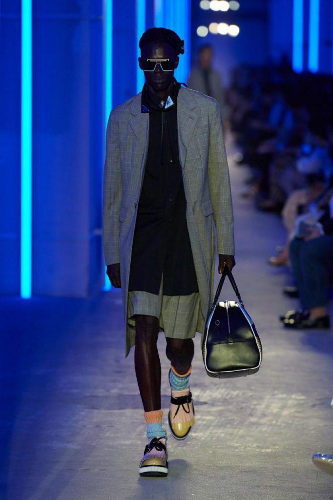модные мужские очки прада