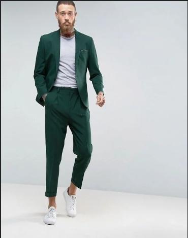Отличный мужской костюм для стильных и мужественных.