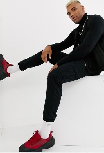 черный пиджак под кроссовки