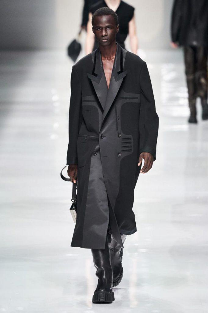модная одежда от Fendi