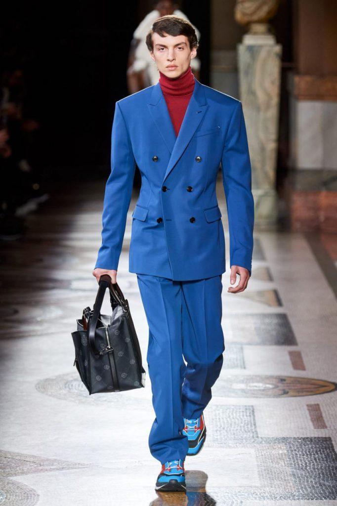 синий костюм мужской от Berluti