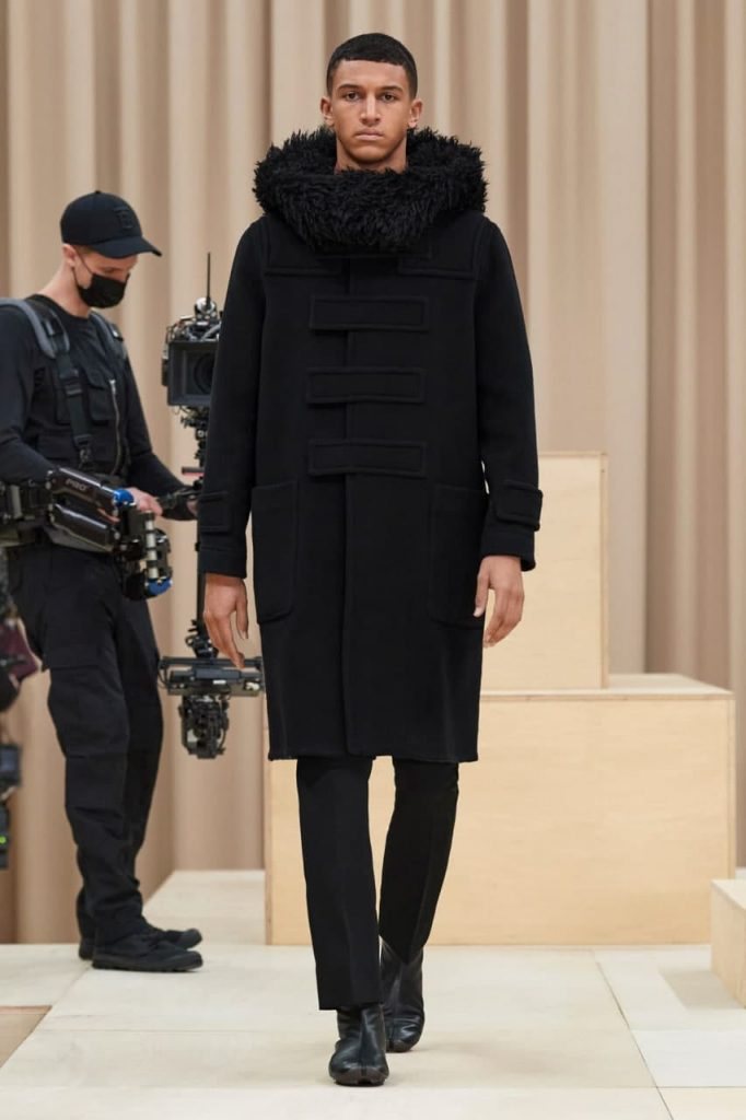 зимнее пальто от Burberry