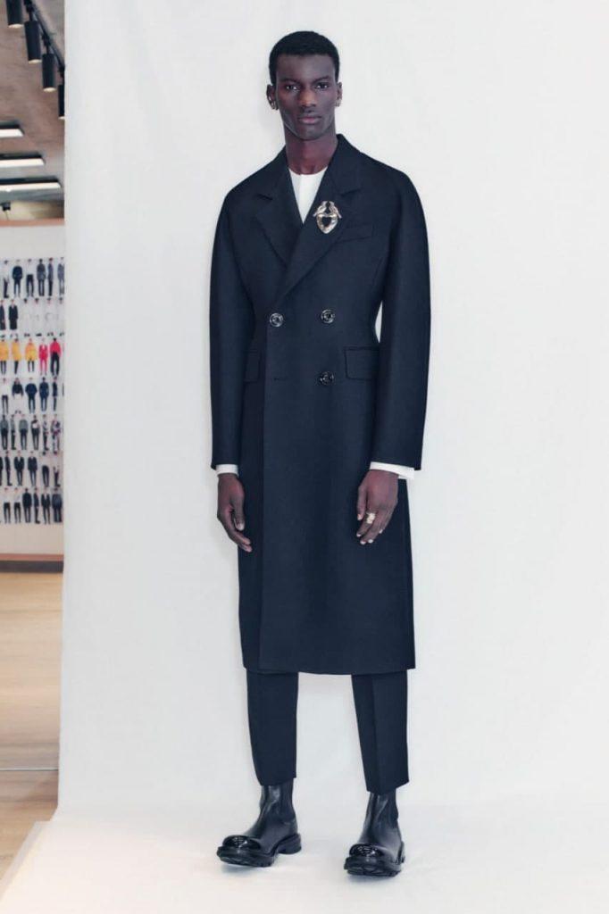 Alexander McQueen2022 мужская коллекция